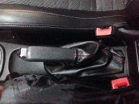 Cuffia Leva freno a mano Opel Corsa D pelle nera   cuciture ross