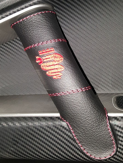 Alfa Romeo Mito coprimaniglia vera pelle nera con ricamo